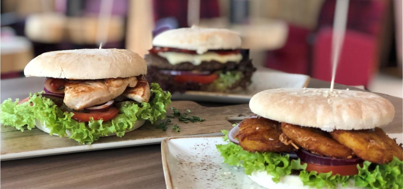 Foto von Burgern aus dem Saunarestaurant